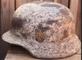 Winter camo Wehrmacht helmet M35 / from Smolensk