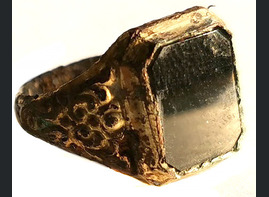 Ring with black stone / from Stalingrad