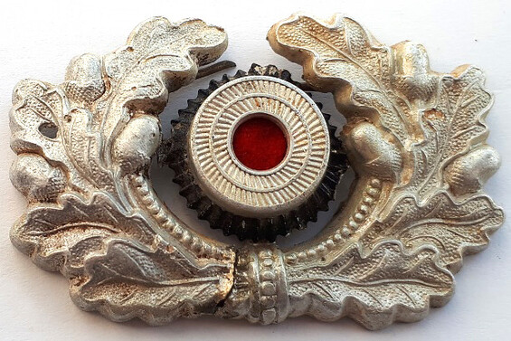 Wehrmacht visor cap wreath / from Stalingrad