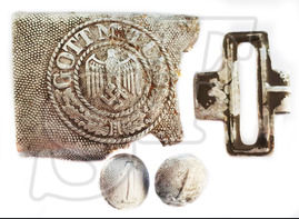 "Buckle ""Gott mit Uns"" + buttons / from Stalingrad"