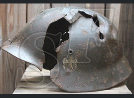 Wehrmacht helmet М40 / from Velikiye Luki