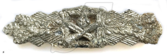 Close Combat Clasp Silver for 25 battles