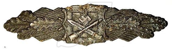 Close Combat Clasp in Bronze (for 15 battles)