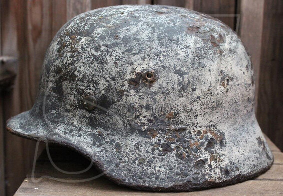 Winter camo Wehrmacht helmet M35 / from Pskov